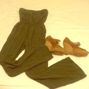 Wide leg strapless green jumper romper w pockets